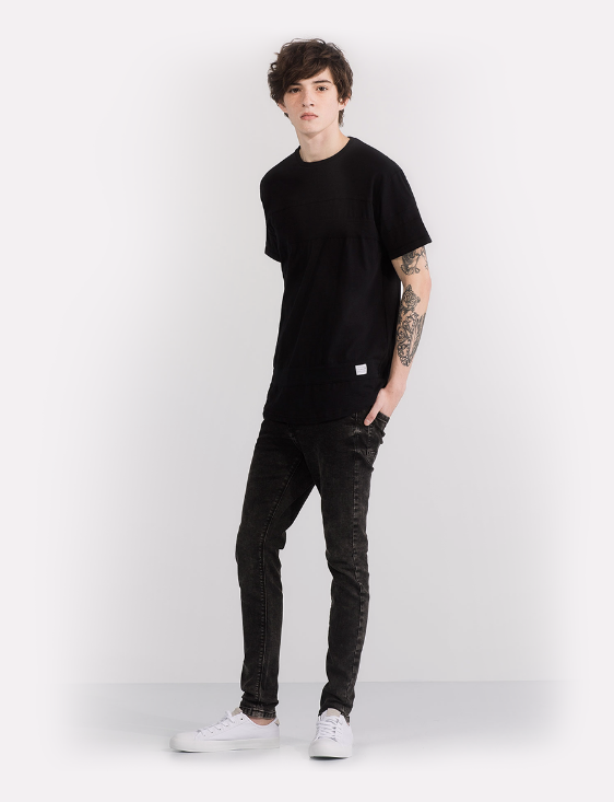 Picture of Simple Black T-Shirt